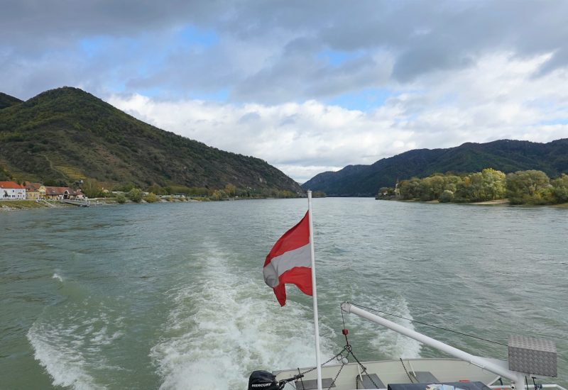 Wachau Valley by boat on the Danube